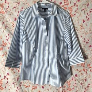 """Tommy Hilfiger 3/4 sleeve Women's button up - """"L"""""""